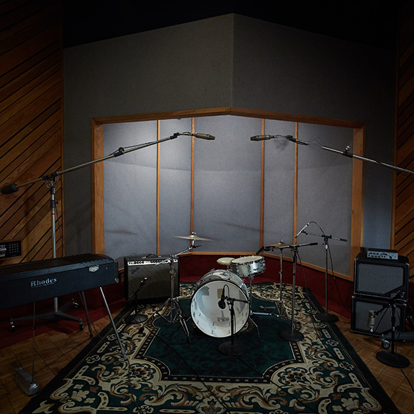 02_revival_at_the_complex_studio_c_live_room_color
