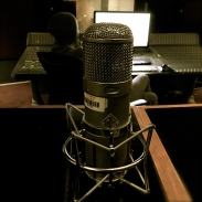 03-neumann-u47-control-room-studio-c-the-complex